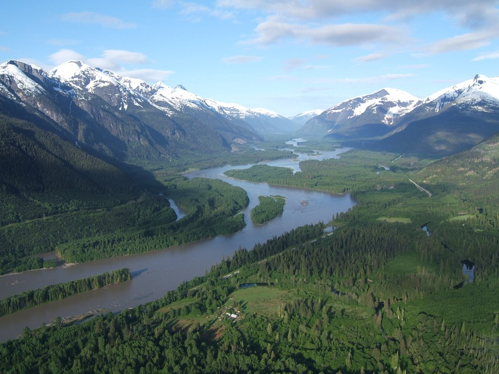 Skeena River Floodplain, photo by Adrian de Groot, reprinted from Panoramio http://www.panoramio.com/photo/7540929