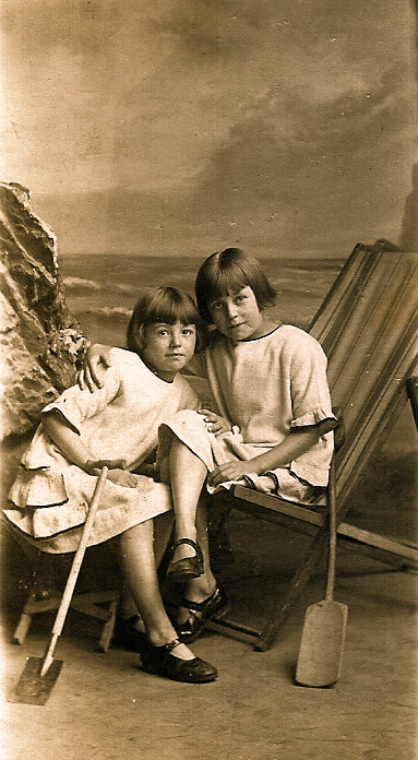 Annie and Lilian Burgess, Blackpool, September 6, 1924, ages 9 and 11